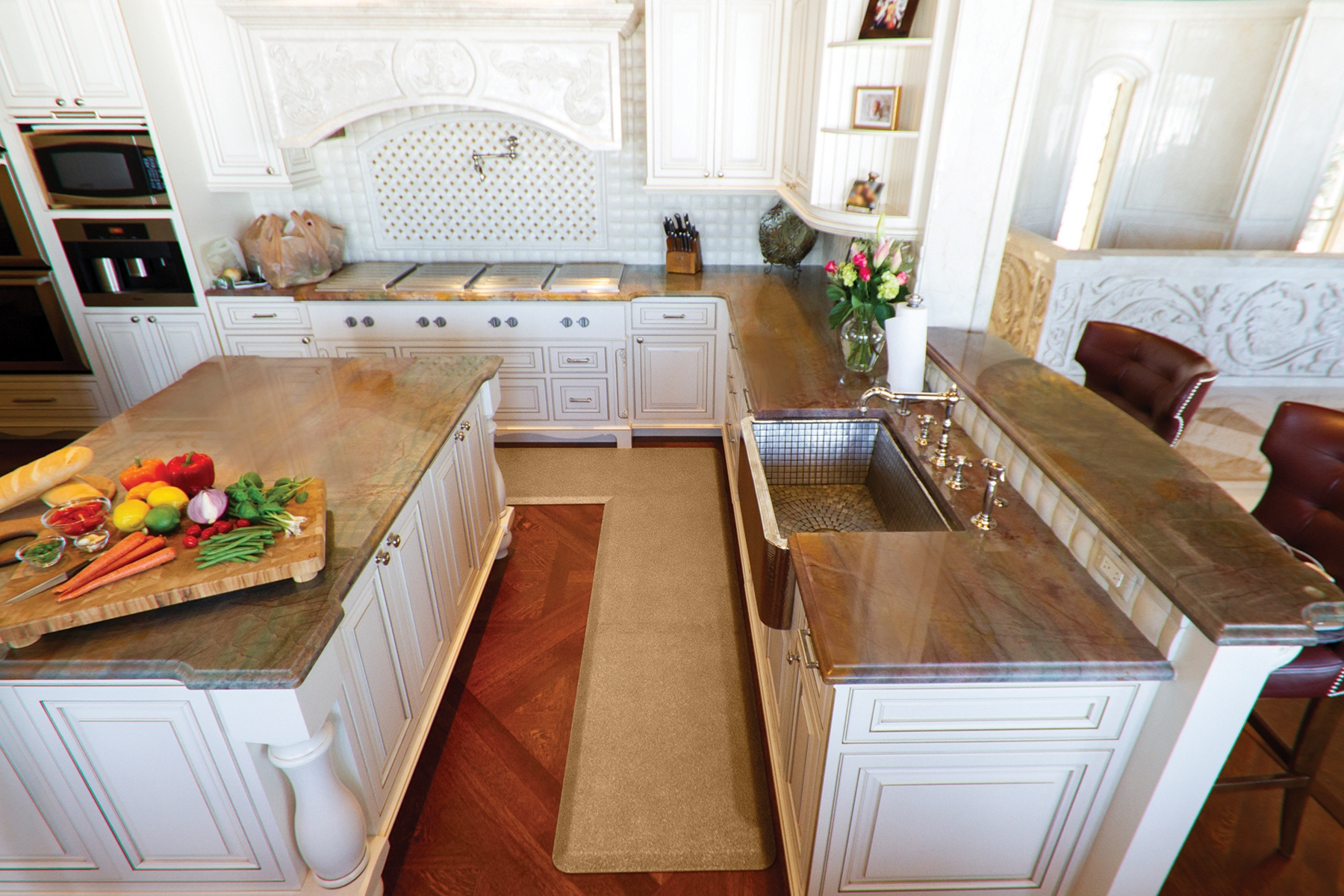 Granite Gold EcoLast L-Shaped Puzzle Piece Mat in the kitchen